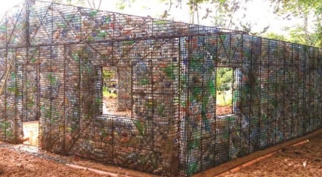casa din plastic
